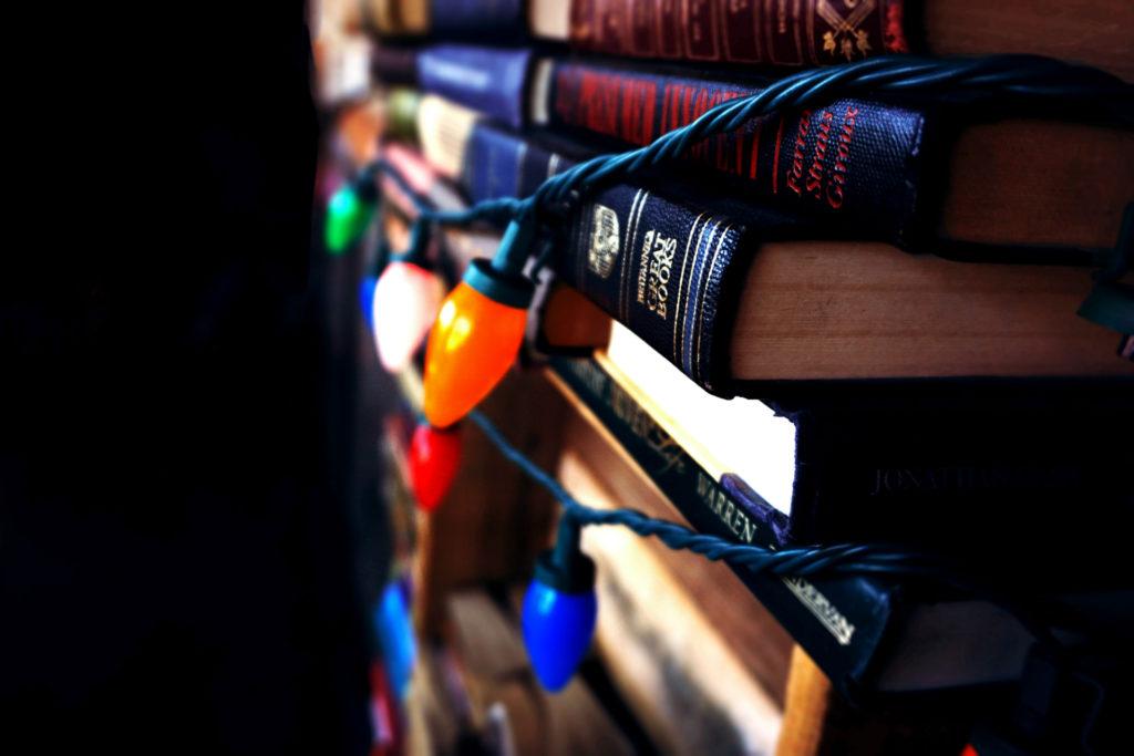 Książki pod choinkę – co kupić najbliższym?